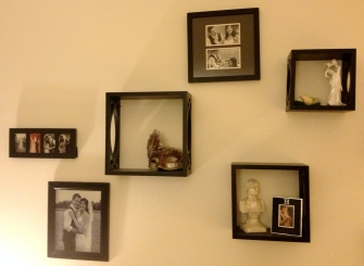 wall cubes and wedding photos